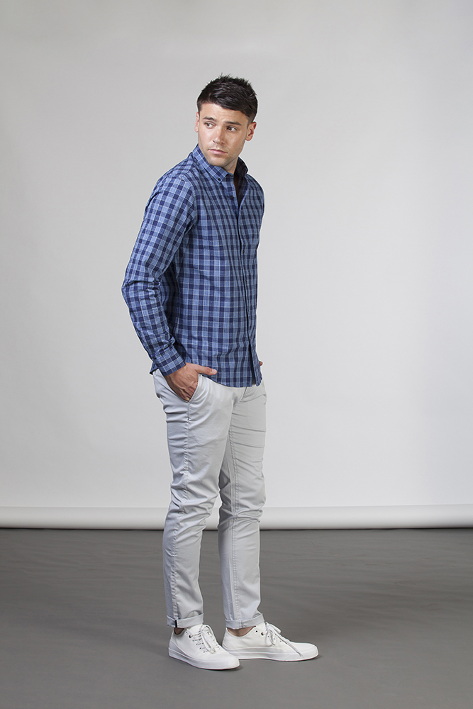 man in blue check shirt_melbourne photographer_mens fashion_5